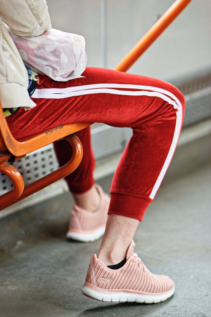 Røde træningsbukser