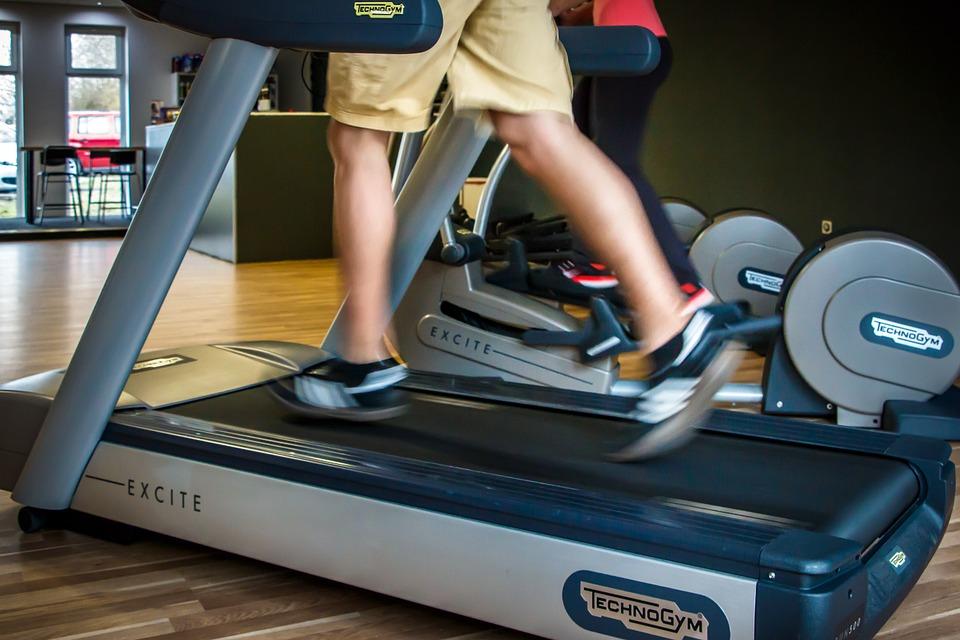 løbebånd I fitnesscenter