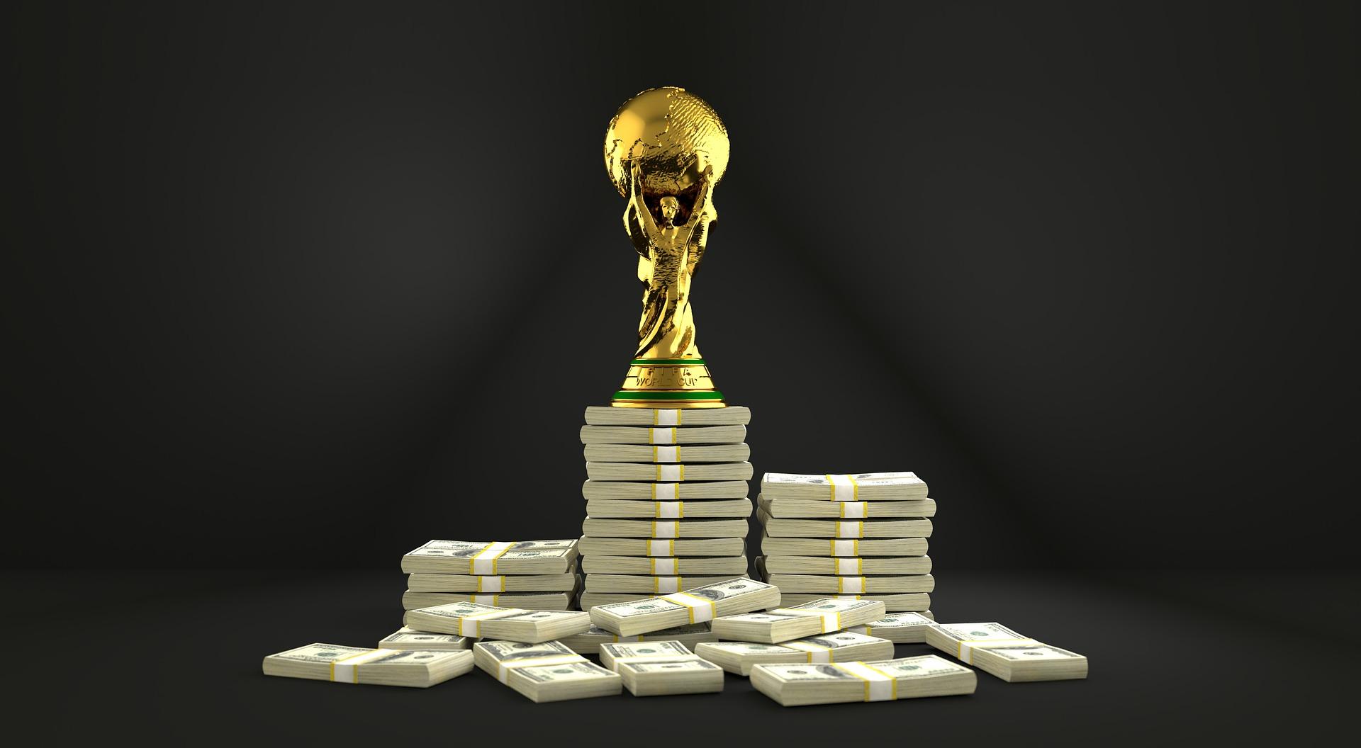 Fodboldtrofæ på pengestak